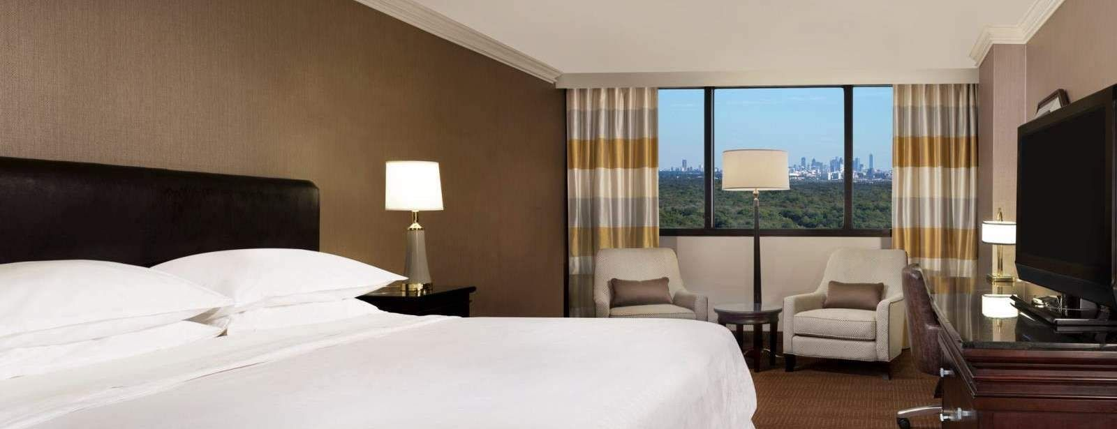 King Guest Room - Sheraton DFW Airport Hotel