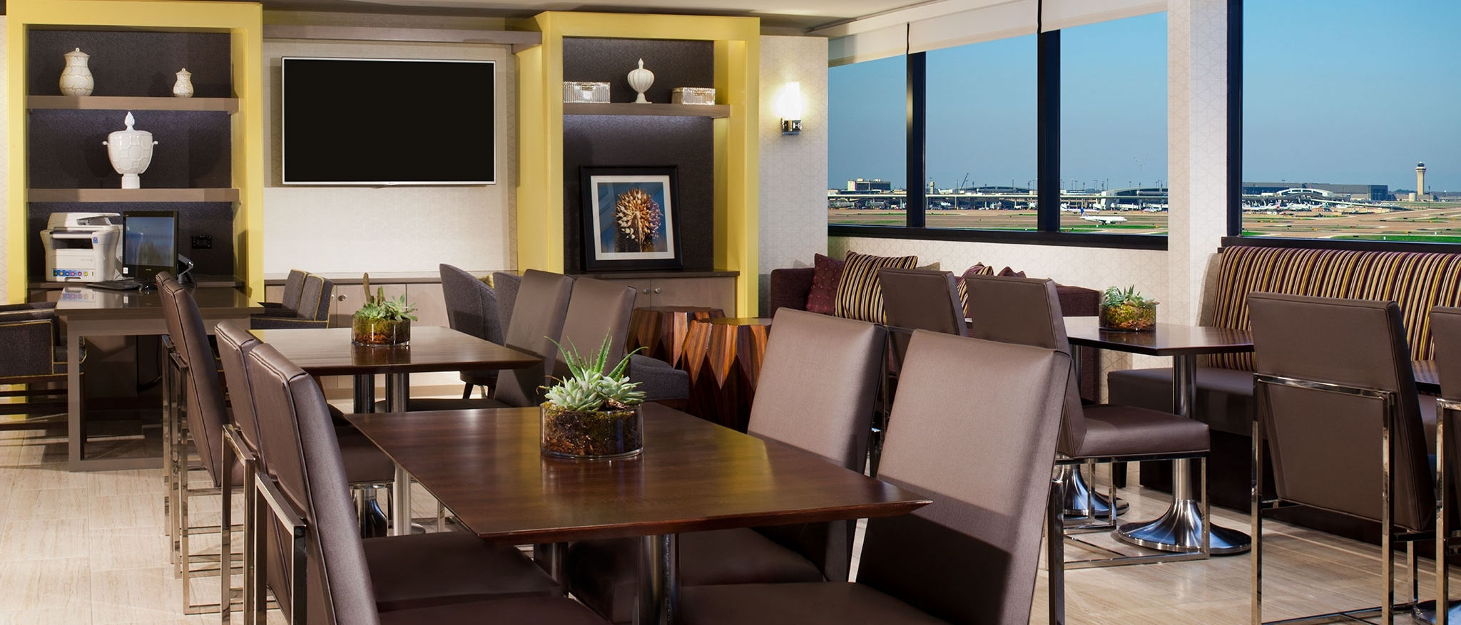 Sheraton DFW Airport Hotel - Club Lounge